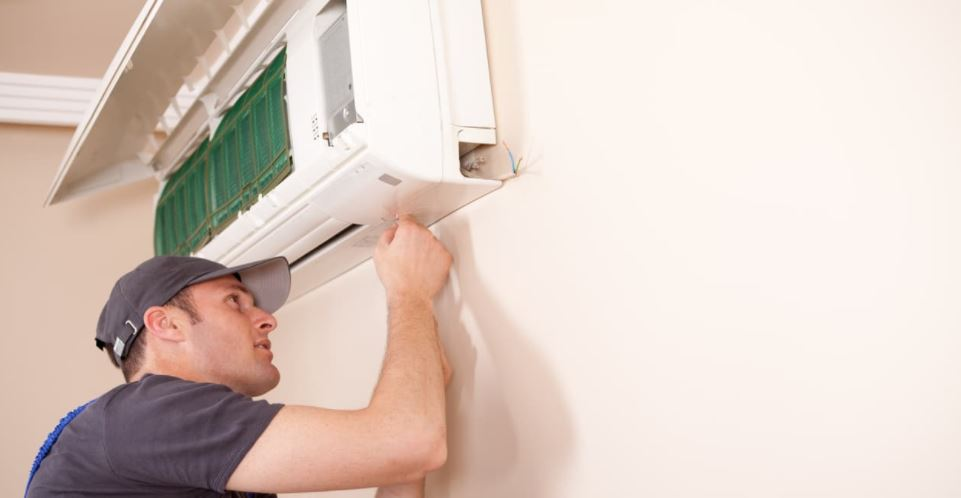 air conditioning service and repair person